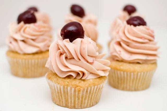 Veganske cupcakes i hauger og lass